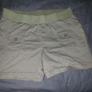 Maturnity shorts